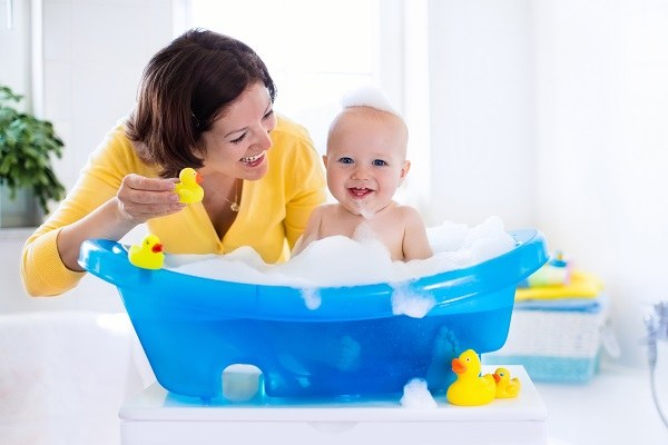 Mom\'s Review: Best Baby Bath Tub - Well Being Kid