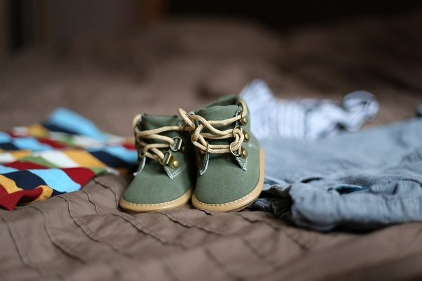 shoes-pregnancy-child-clothing