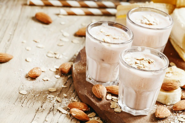 banana smoothie with almond topping